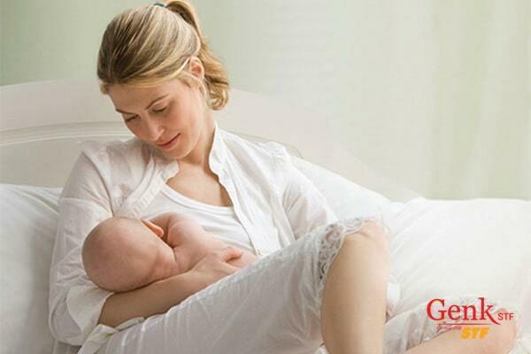Phụ nữ sinh con muộn có nguy cơ cao mắc ung thư buồng trứng
