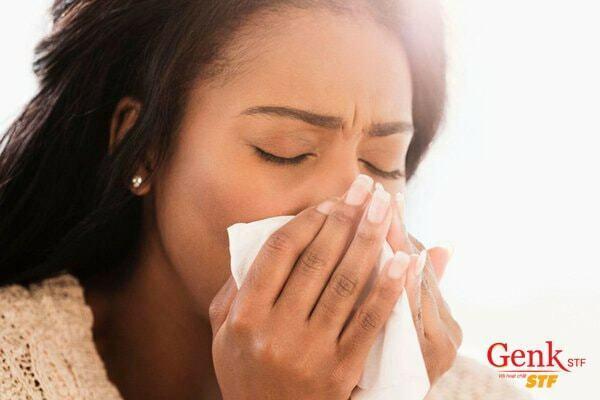 Ho ra máu là triệu chứng ung thư gan di căn phổi