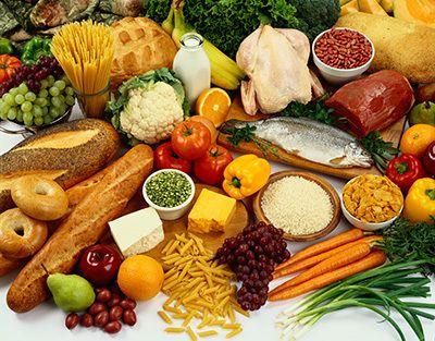 Một chế độ ăn uống lành mạnh với nhiều loại trái cây và rau quả có thể cải thiện sức khỏe tổng thể của bạn.