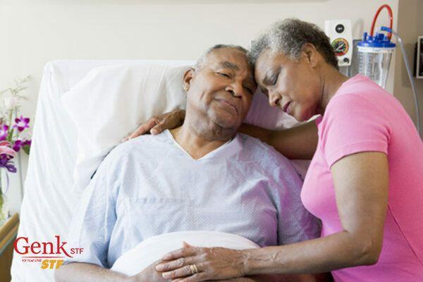 Đừng để bệnh nhân phải an ủi ngược lại bạn