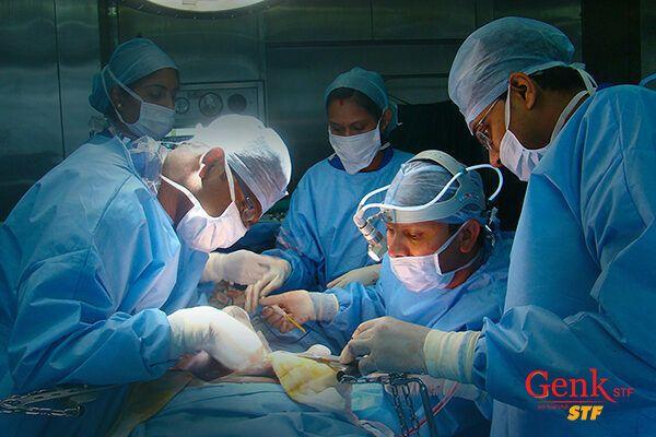 Việc phẫu thuật được chỉ định cho các bệnh nhân có chức năng gan ổn định, không tăng huyết áp.