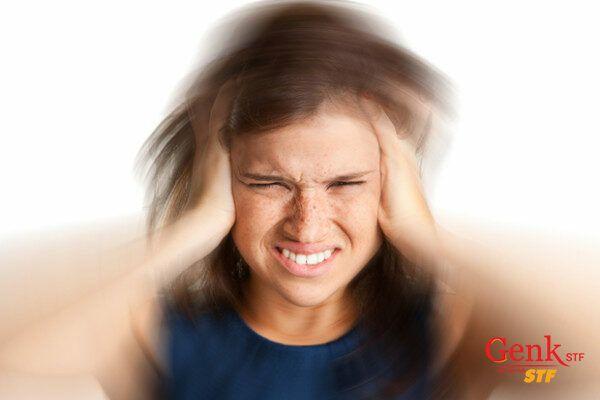 Đau đầu đột ngột kết hợp với chóng mặt là dấu hiệu cảnh báo ung thư não