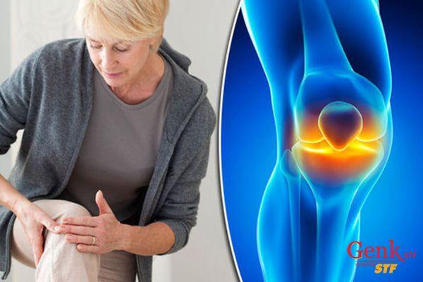 Cần đi khám bác sĩ nếu thấy dấu hiệu bị sưng tấy, đỏ hoặc dễ gãy xung quanh khu vực xương đau