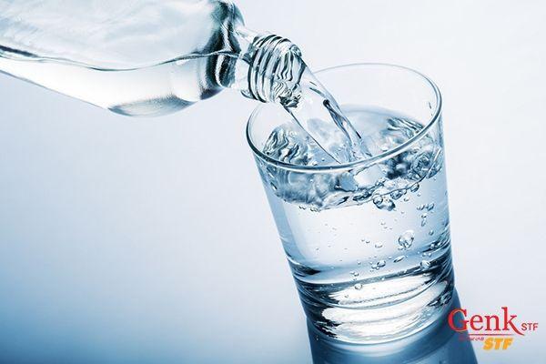 Tất cả các tế bào cơ thể của trẻ đều cần nước để hoạt động