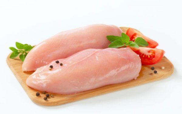Người bệnh máu nhiễm mỡ nên ăn thịt gà được chế biến luộc hoặc hấp