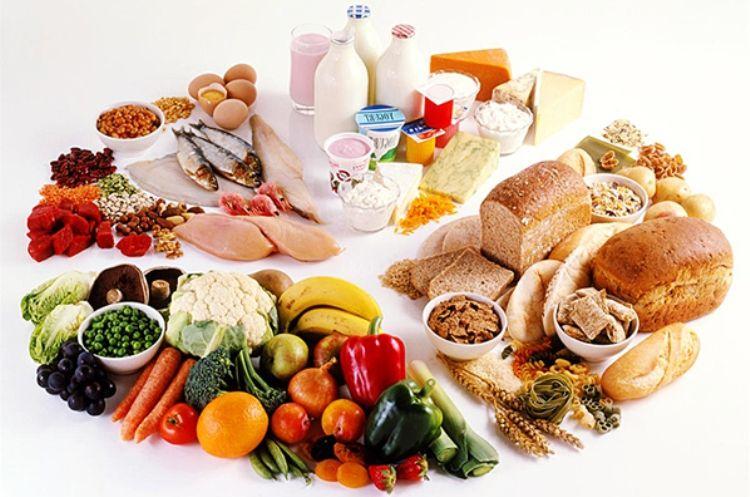 Trong chế độ ăn uống cần đảm bảo đầy đủ chất cho cơ thể giúp hồi phục sức khỏe