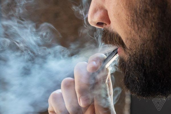 Hút thuốc lá tăng nguy cơ gây ung thư bàng quang