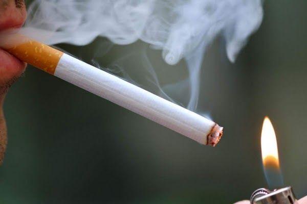 Hút thuốc nhiều có nguy cơ mắc bệnh ung thư lưỡi cao gấp 15 lần so với những người khác