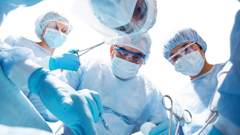 Phẫu thuật là một trong những phương pháp điều trị ung thư phế quản