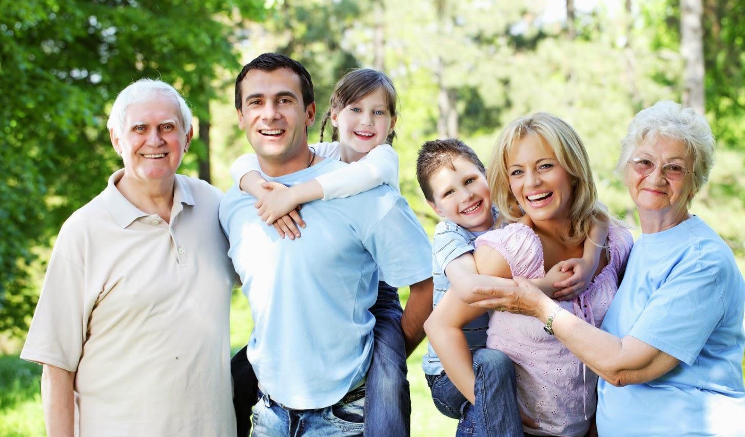 Nếu trong gia đình có người mắc ung thư vòm họng, những thành viên còn lại cần chú ý khám tầm soát định kỳ