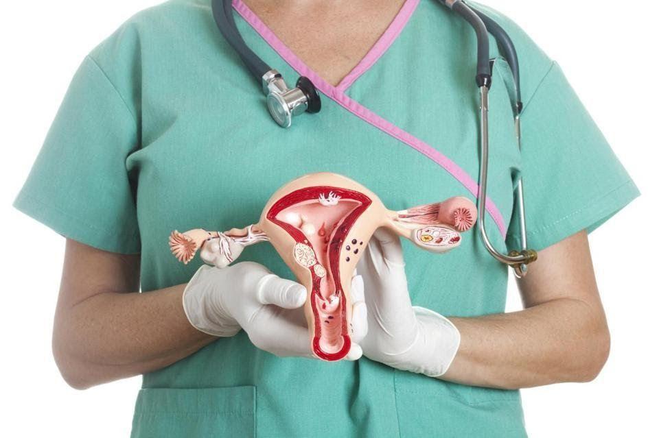Mắc ung thư buồng trứng có chữa khỏi không là thắc mắc của bệnh nhân và người nhà