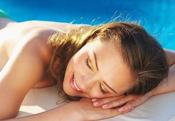 Tiếp xúc quá nhiều với ánh nắng mặt trời là nguyên nhân chính gây ung thư hắc tố