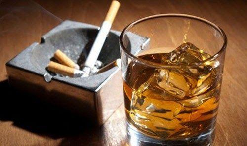 Hút thuốc lá, nghiện rượu… là những yếu tố làm gia tăng nguy cơ mắc ung thư miệng
