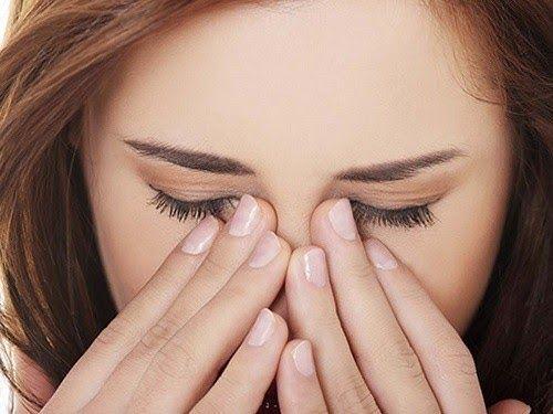 Nhãn áp tăng lên, đau mắt, đau đầu, giảm thị lực… cảnh báo ung thư mắt