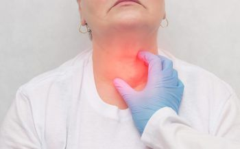 Mắc bệnh ung thư tuyến giáp có chữa được không?