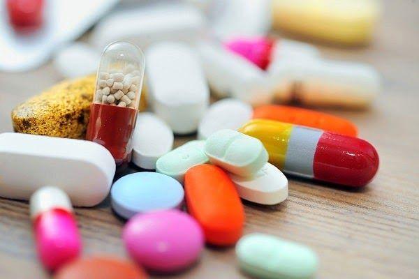 Các loại thuốc giảm đau thường được dùng cho bệnh nhân là paracetamol và các thuốc kháng viêm giảm đau không Steroid