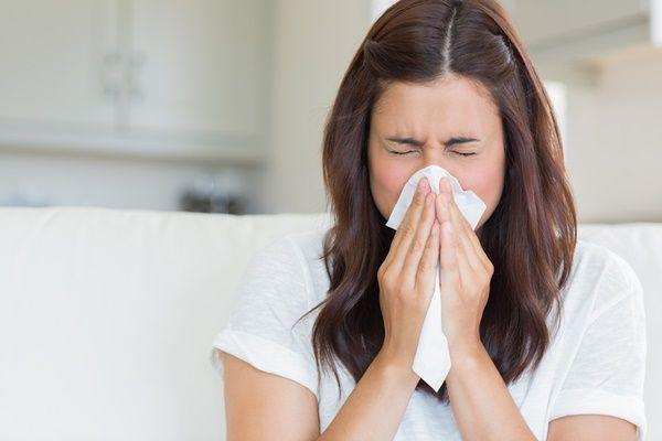 Ho, sốt, đau đầu, mệt mỏi...là những triệu chứng tiêu biểu của viêm đường hô hấp trên