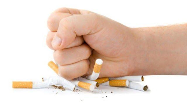 Người bị viêm loét dạ dày tá tràng không nên hút thuốc lá