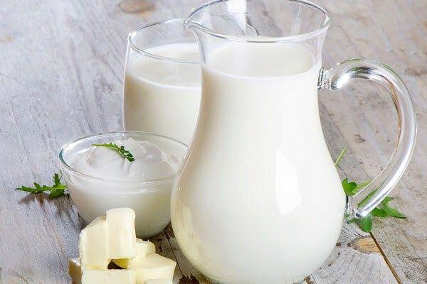 Sữa kích thích dạ dày để tăng sản xuất axit, gây kích ứng vết loét, khiến các triệu chứng trở nên tồi tệ hơn