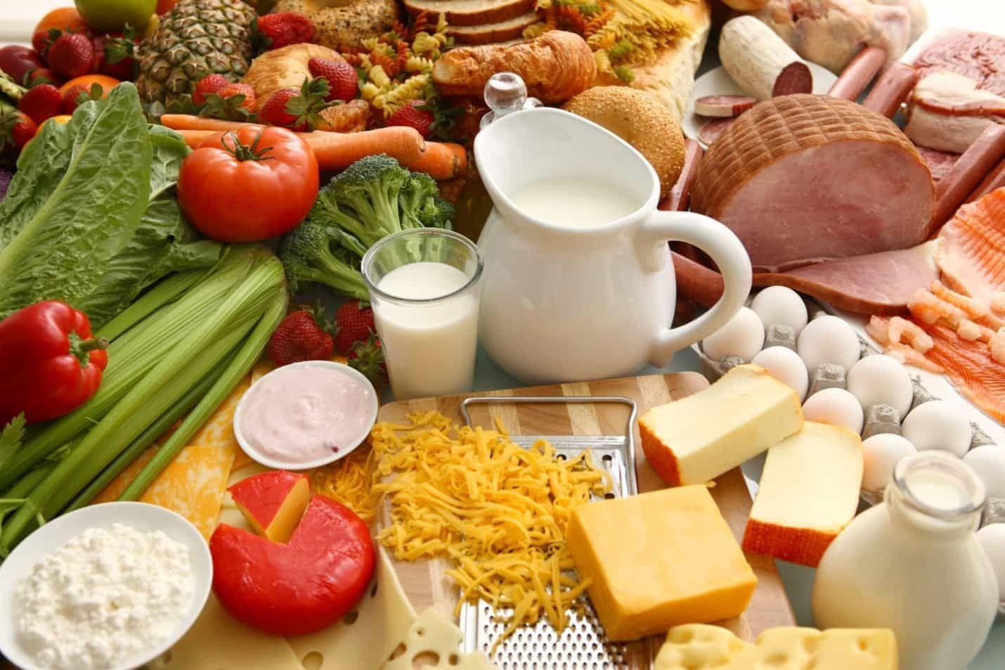 Một chế độ ăn uống khoa học, cân bằng dưỡng chất là một trong những cách ngăn ngừa ung thư