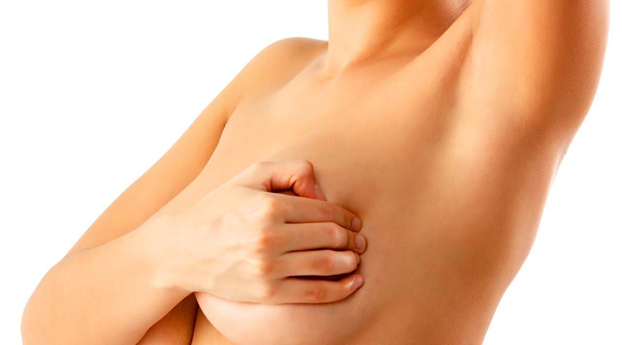 Đau tức tuyến vú là một trong những triệu chứng ung thư vú