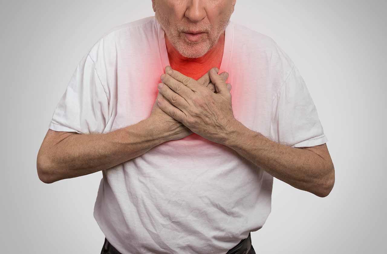 Ho, khó thở, đau tức ngực là những triệu chứng ung thư gan giai đoạn đầu