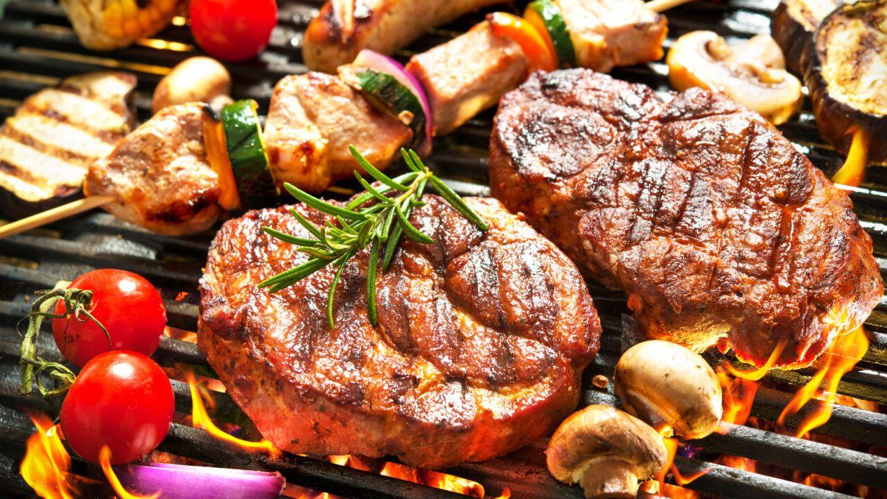 Chế độ ăn uống không khoa học là một trong những nguyên nhân dẫn đến ung thư dạ dày