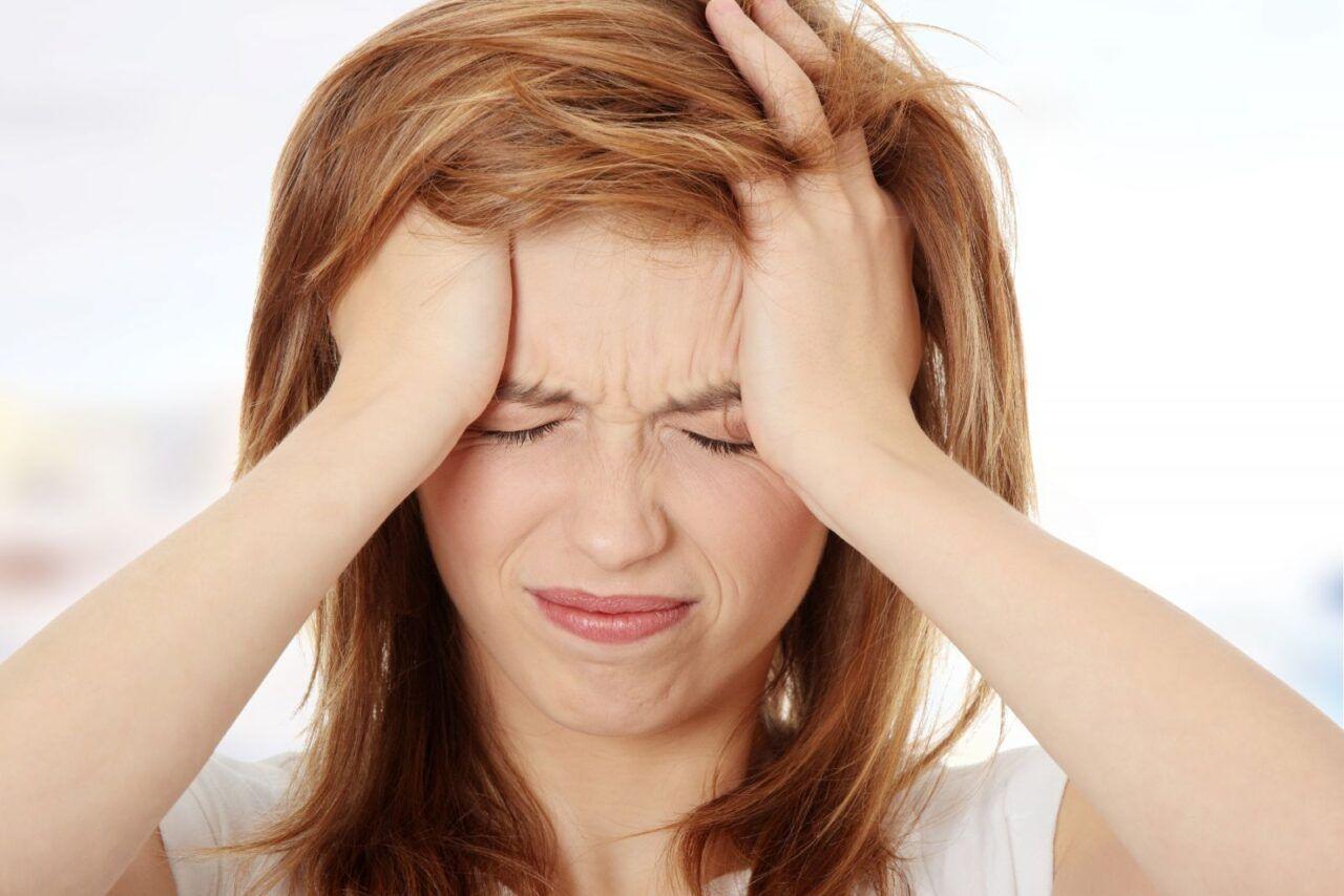 Ung thư vòm họng giai đoạn đầu thường kèm theo triệu chứng đau đầu