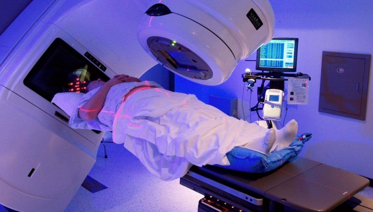 Xạ trị là một trong những phương pháp chính điều trị ung thư mũi