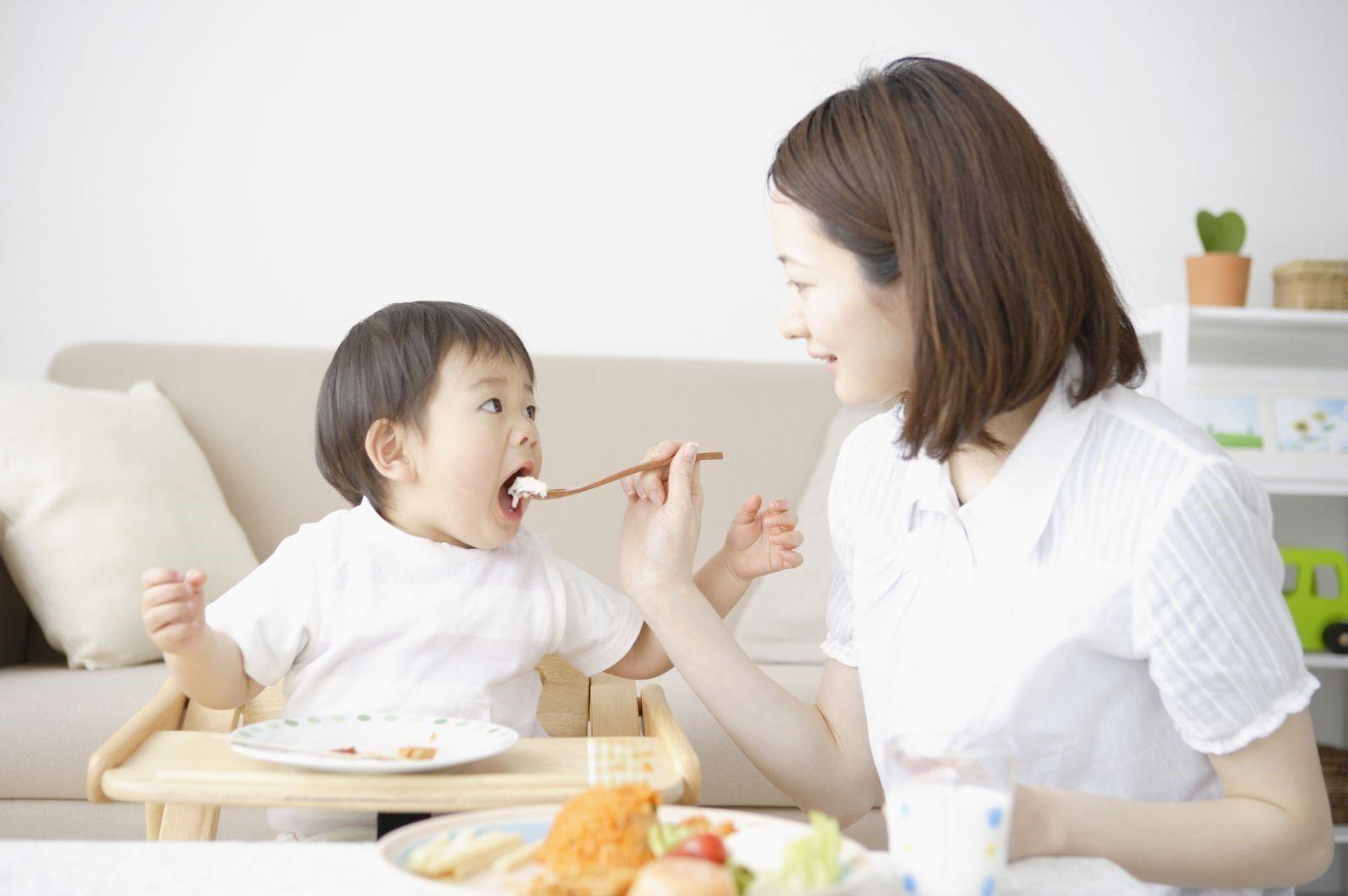 Trẻ ăn gì tăng sức đề kháng để tránh bị ốm vặt