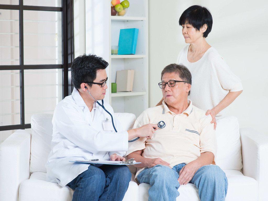 Người bệnh cần đi khám và tuân thủ theo đúng phương pháp điều trị của bác sĩ