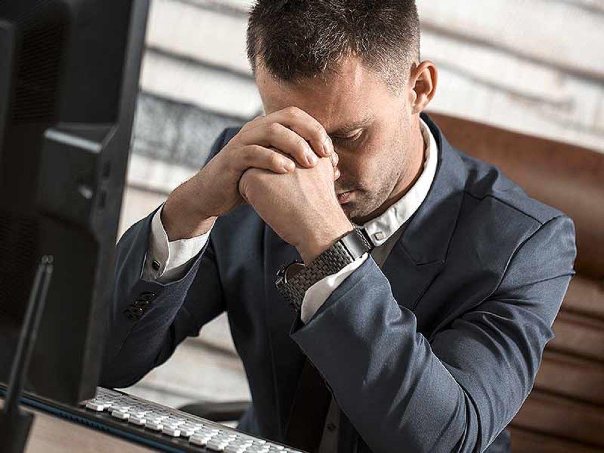 Stress trong công việc liên tục là một trong những yếu tố nguy cơ gây bệnh ung thư máu