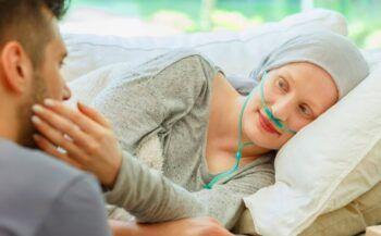 Cách kiểm soát các cảm xúc tiêu cực khi điều trị ung thư