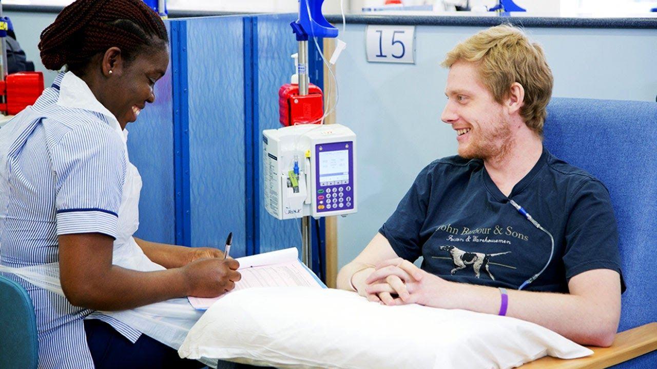 Thuốc hóa trị được tiêm trực tiếp vào tĩnh mạch hoặc đường uống