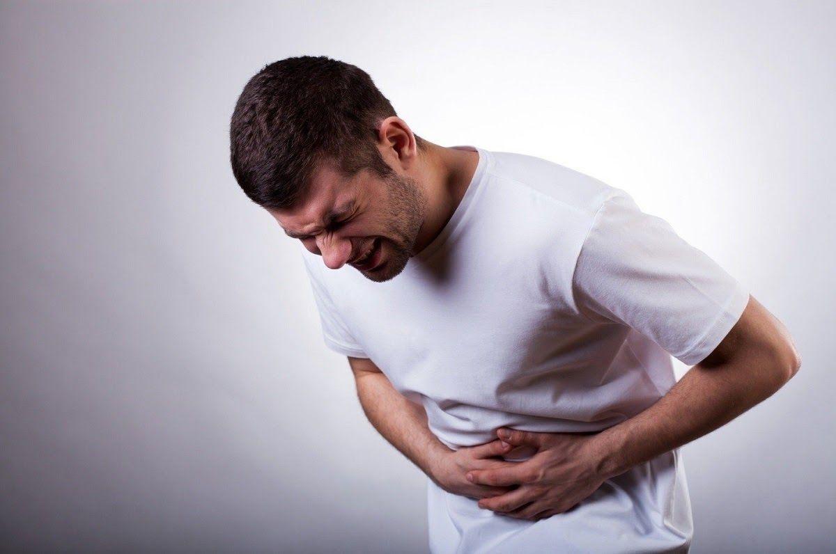 Người có tiền sử mắc các bệnh về đường ruột là một trong những nguyên nhân gây ung thư đại tràng