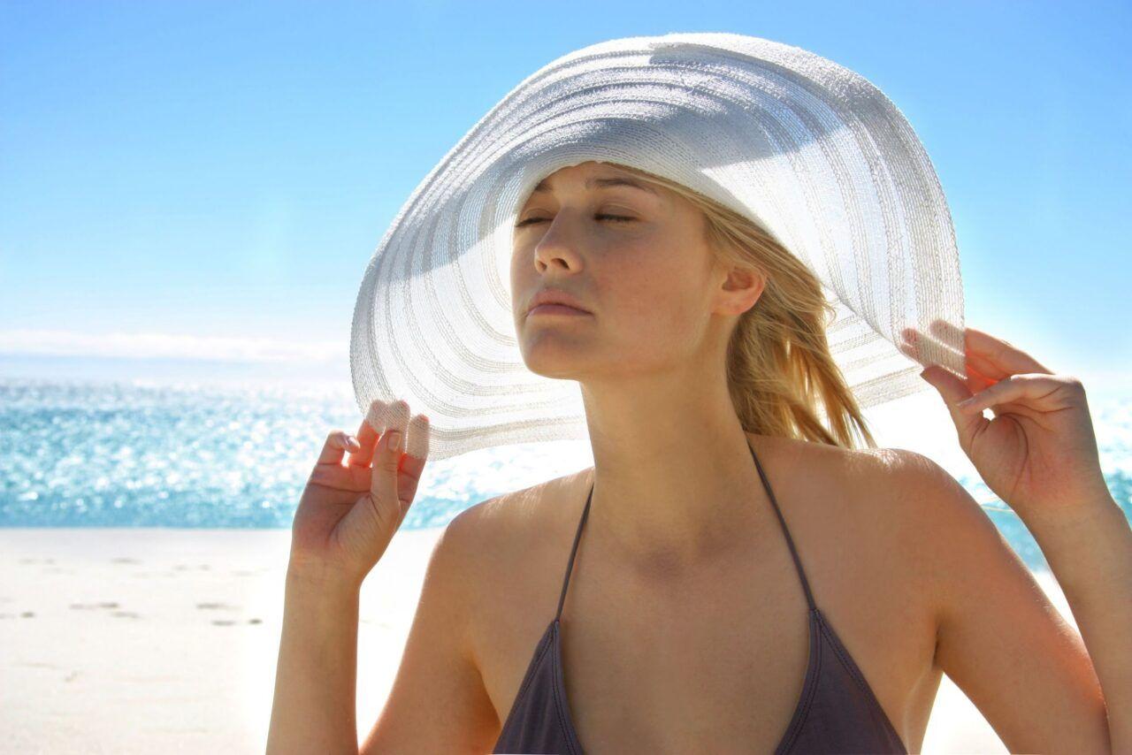 Ánh nắng mặt trời là nguy cơ gây các bệnh ung thư da