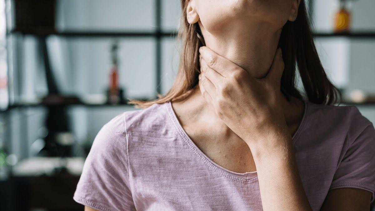 Nuốt khó, nuốt đau nhói là một trong những triệu chứng ung thư amidan khẩu cái
