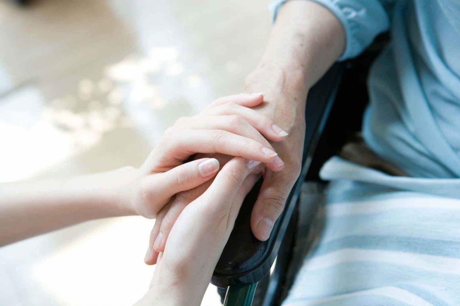 Chăm sóc giảm nhẹ cho bệnh nhân ung thư giai đoạn muộn rất quan trọng