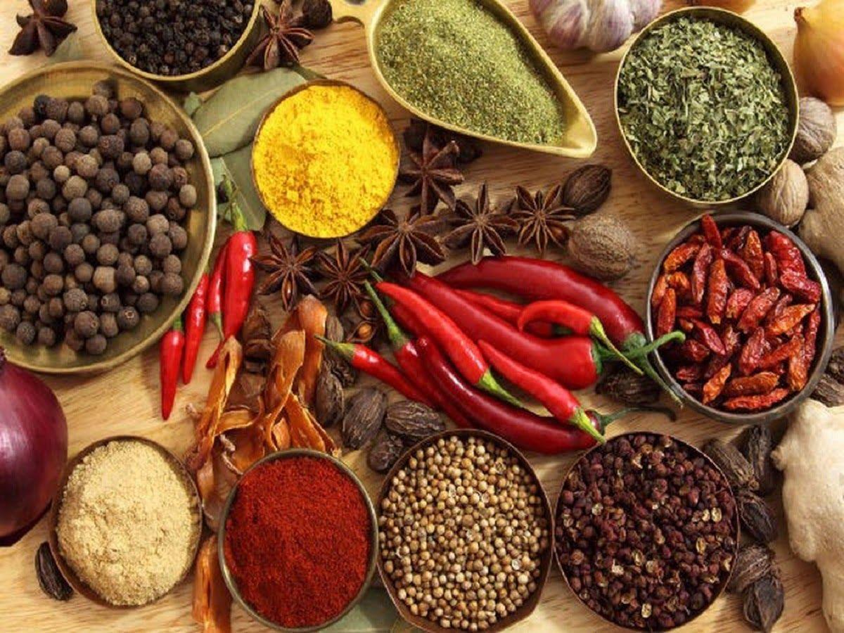 Người bị viêm loét dạ dày nên tránh đồ ăn cay nóng