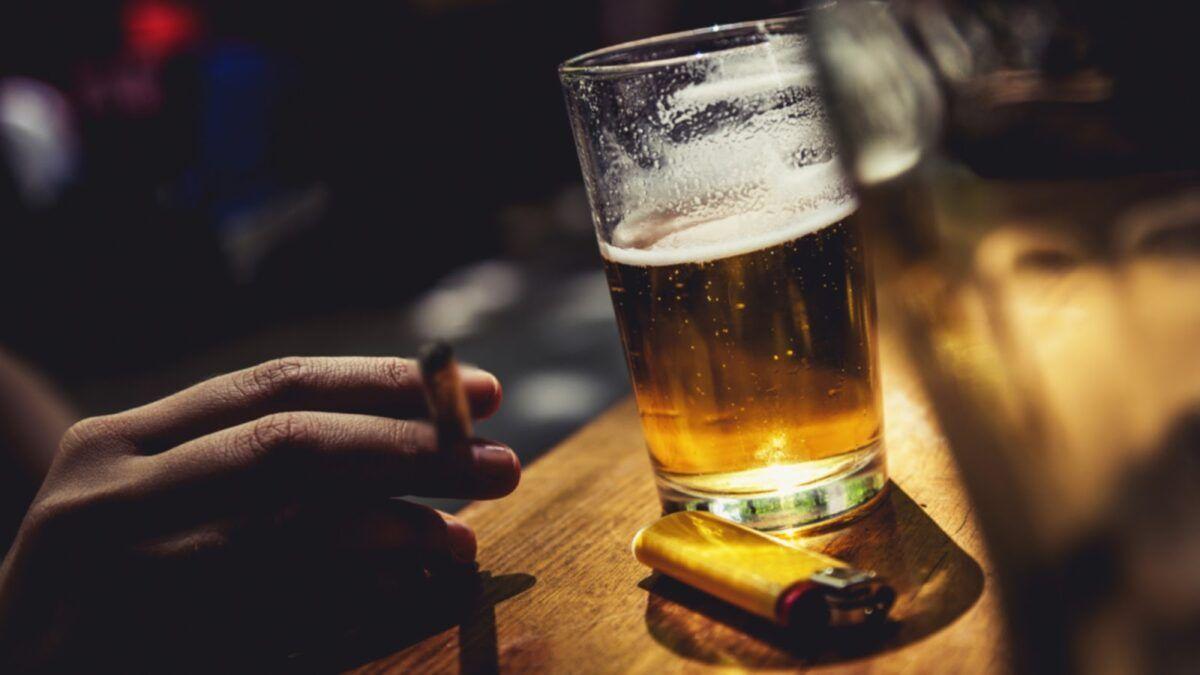 Trong thuốc lá và rượu bia có hơn 60 chất gây ung thư