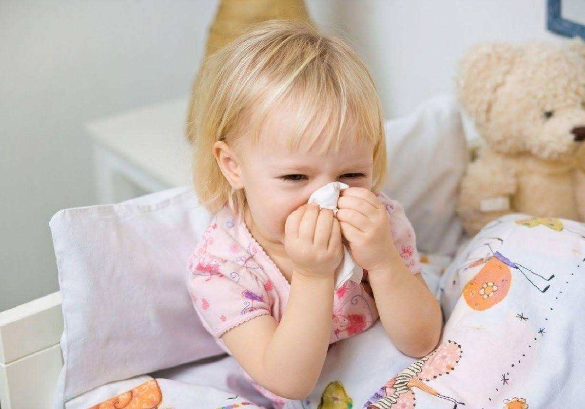 Sức đề kháng yếu chính là nguyên nhân khiến trẻ bị viêm tai giữa tái đi tái lại