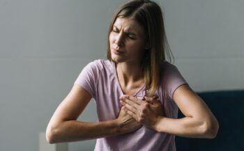 Dấu hiệu của bệnh ung thư vú và các nguy cơ mắc bệnh