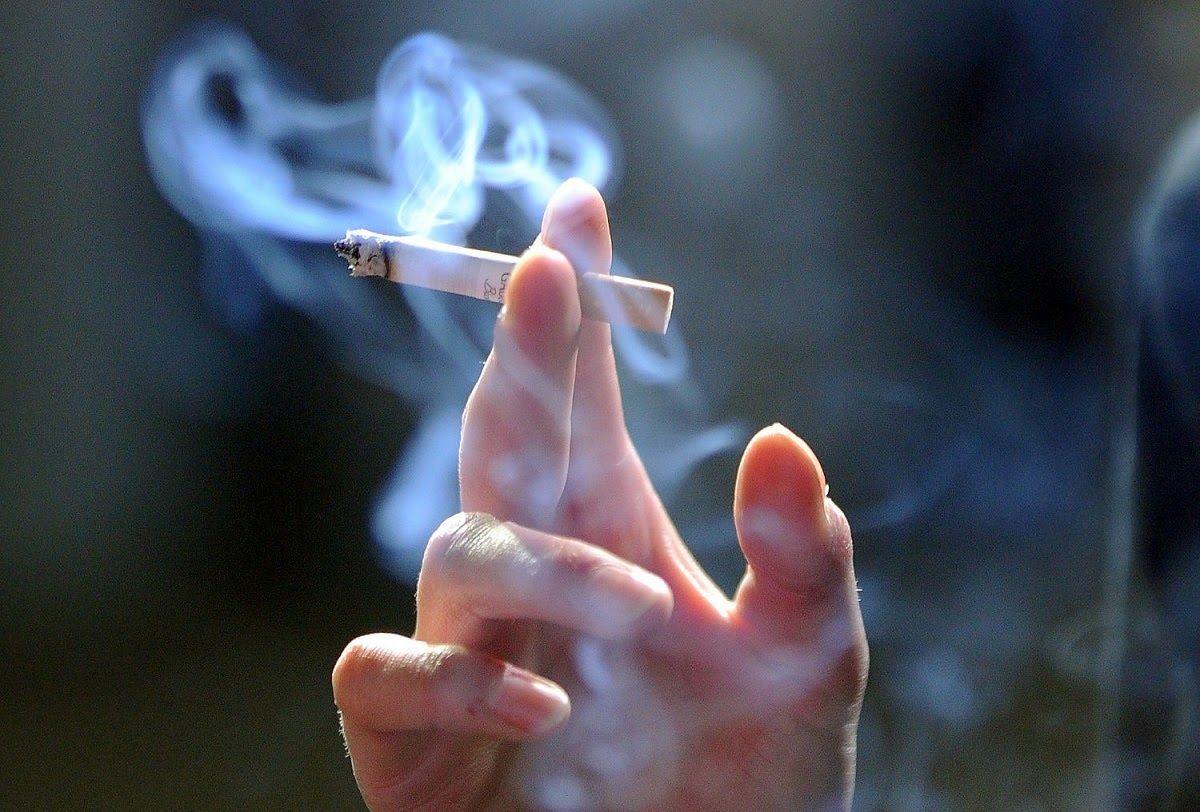 Hút thuốc lá làm tăng nguy cơ ung thư thực quản