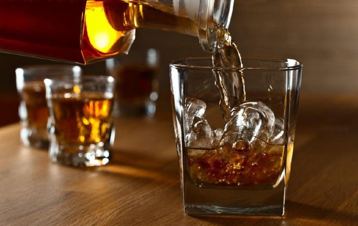 Uống rượu cũng có thể là một yếu tố rủi ro gây bệnh ung thư tuyến tụy