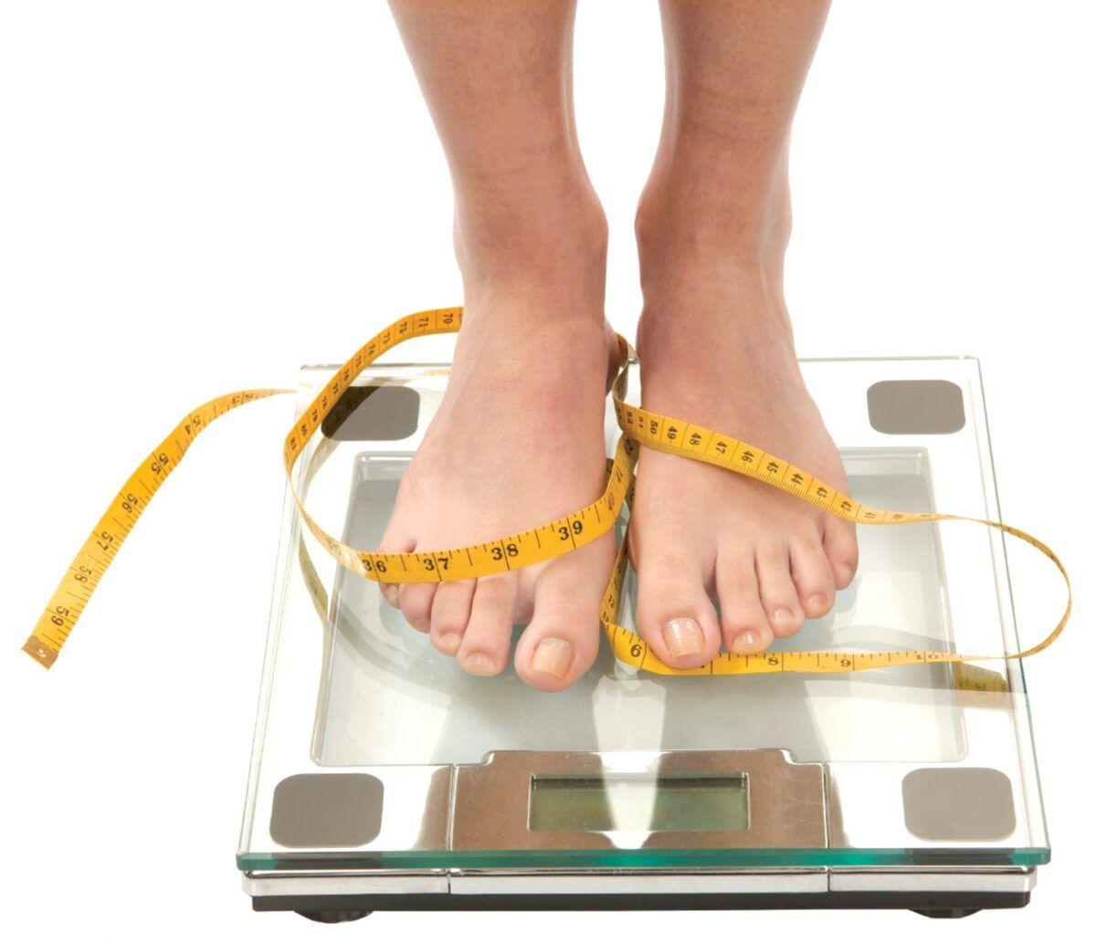 Việc duy trì cân nặng hợp lý cũng đóng vai trò quan trọng trong việc phòng ngừa ung thư tuyến giáp