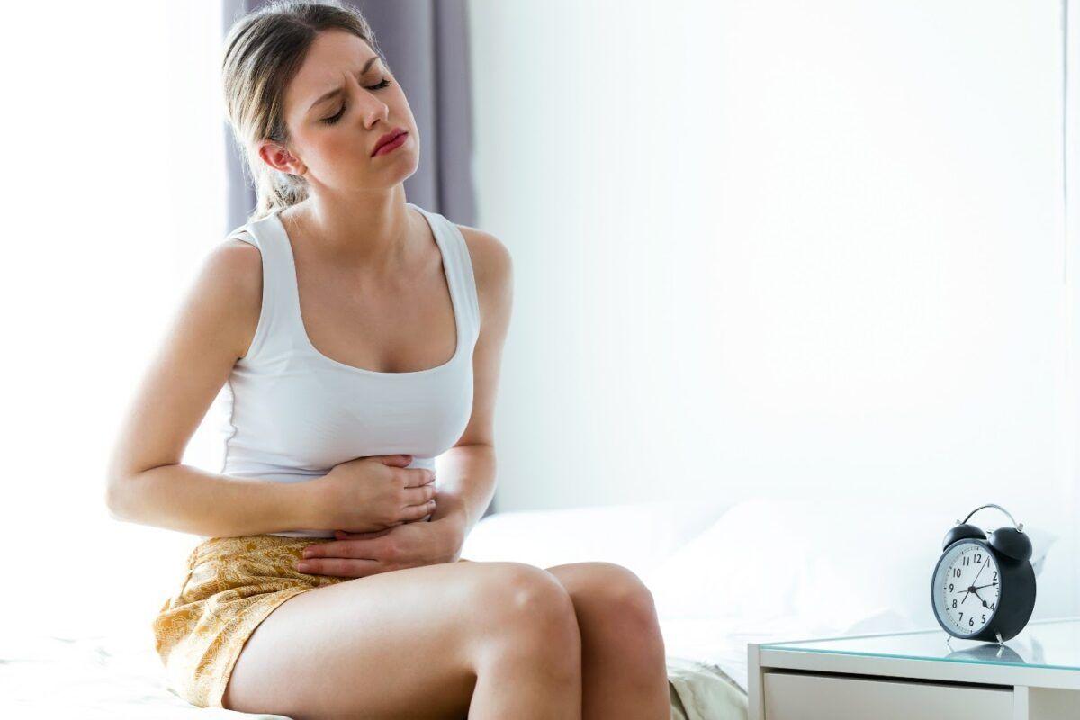 Đau bụng là triệu chứng ung thư đại tràng