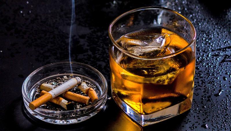 Sử dụng bia rượu, thuốc lá làm tăng nguy cơ mắc các bệnh ung thư