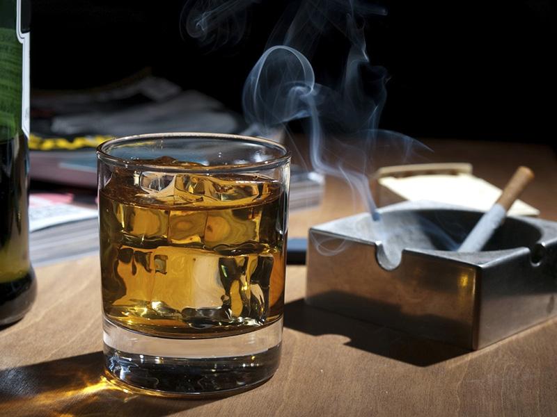 Rượu bia - thuốc lá là tác nhân hàng đầu gây hại cho sức khỏe