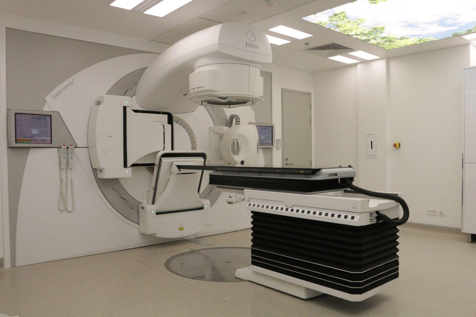 Máy xạ trị gia tốc (ảnh minh họa)