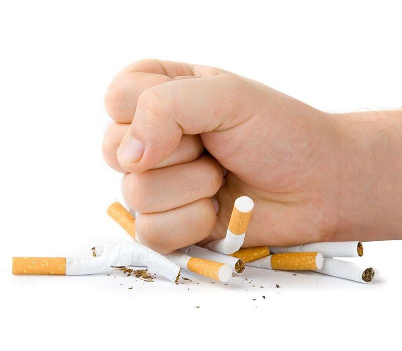 Bỏ thuốc lá sẽ giúp giảm 50% nguy cơ mắc các bệnh tim mạch do mỡ máu cao